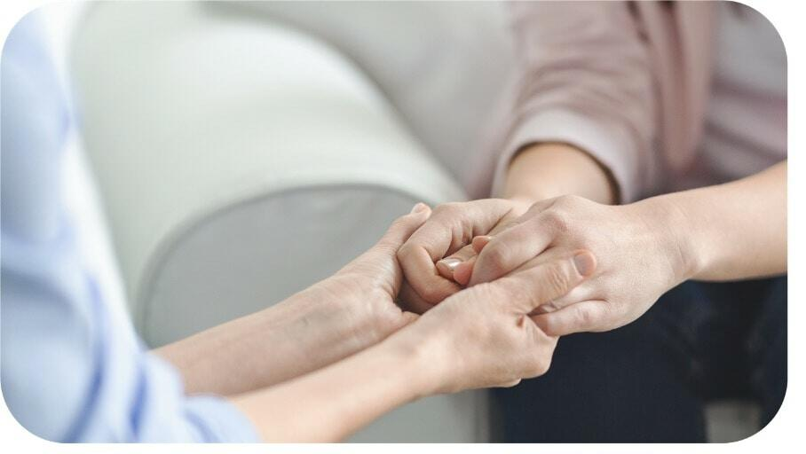 Thérapeute-mains-jointes-pourquoi
